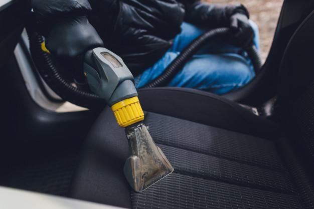 asientos-textiles-interior-automovil-limpieza-quimica-metodo-extraccion-profesional-limpieza-temprana-primavera-o-limpieza-regular_152904-6897